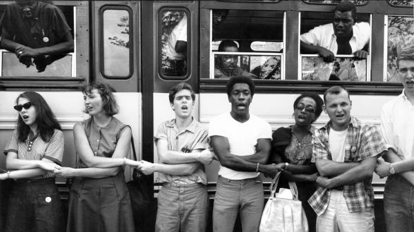 Freedom Summer activists sing before leaving training sessions at Western College for Women in Oxford, Ohio, for Mississippi in June 1964. TED POLUMBAUM COLLECTION NEWSEUM